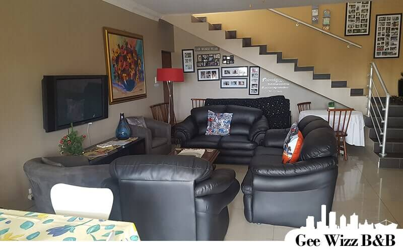 Accommodation in Scottburgh on the South Coast of natal lower level lounge
